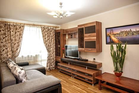Сдается 3-комнатная квартира посуточно в Кемерове, ул. Красноармейская 138.