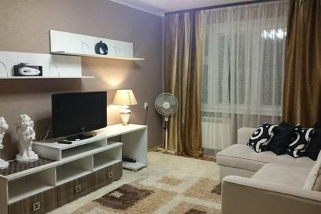 Сдается 2-комнатная квартира посуточно в Набережных Челнах, Цветочный бульвар, 8.