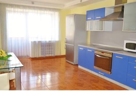 Сдается 2-комнатная квартира посуточнов Тюмени, ул. Федорова, д. 6.