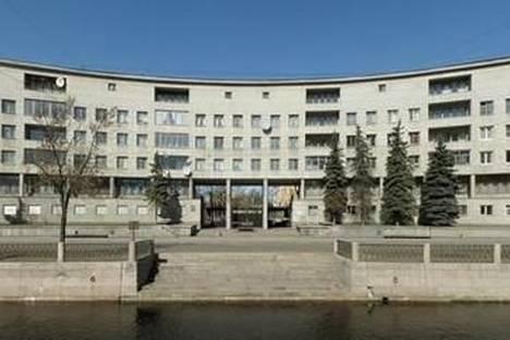 Сдается 4-комнатная квартира посуточнов Санкт-Петербурге, Реки Карповки набережная, 13.