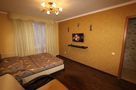 Сдается 1-комнатная квартира посуточно в Альметьевске, Шевченко 122.