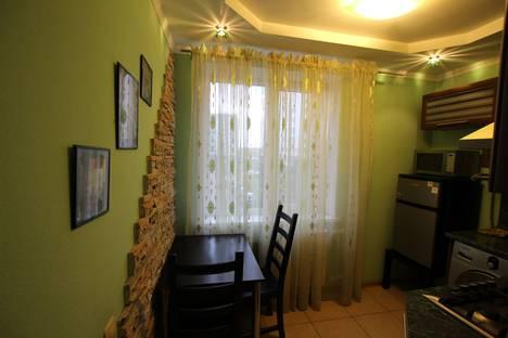 Сдается 1-комнатная квартира посуточнов Альметьевске, Шевченко 122.