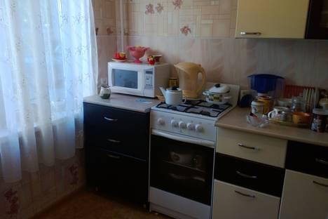 Сдается 2-комнатная квартира посуточно в Березниках, Карла маркса 64.
