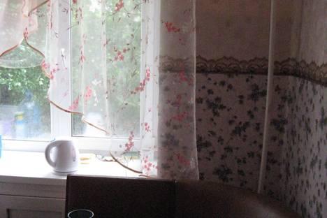 Сдается 2-комнатная квартира посуточно в Нижнем Тагиле, Садовая, 44.