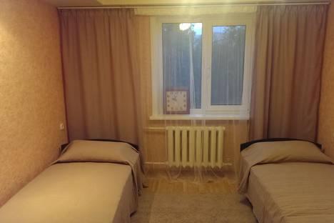 Сдается 2-комнатная квартира посуточно в Нижнем Тагиле, Ленинградский проспект, 96.