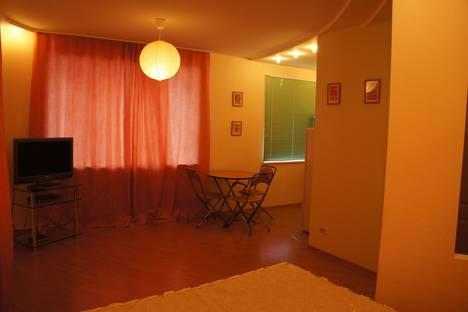 Сдается 1-комнатная квартира посуточнов Кирове, Октябрьский проспект, , 105.