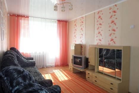 Сдается 1-комнатная квартира посуточно в Яровом, квартал Б,  дом 34.