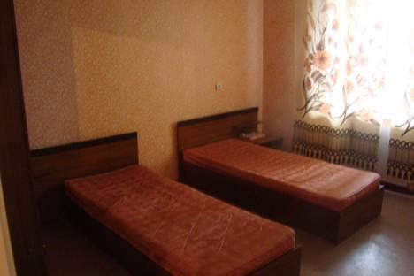 Сдается 3-комнатная квартира посуточнов Златоусте, Колесова, 19.