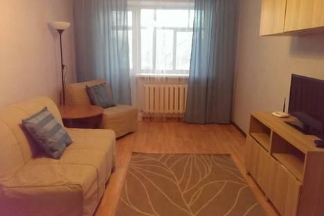 Сдается 1-комнатная квартира посуточно, Свердлова 5.
