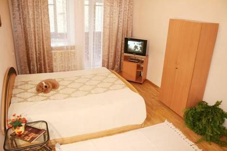 Сдается 1-комнатная квартира посуточно в Киеве, ул. Трехсвятительская 9.