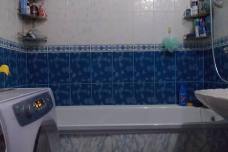 Сдается 2-комнатная квартира посуточно в Яровом, Квартал А,25.