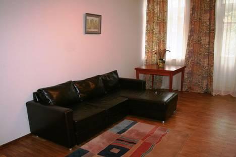 Сдается 2-комнатная квартира посуточно в Киеве, ул. Лютеранская 12.