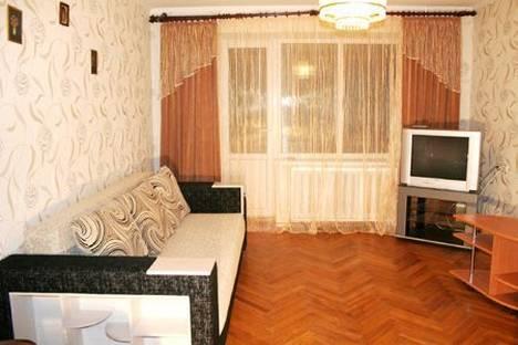 Сдается 2-комнатная квартира посуточно в Киеве, Шелковичная 15.