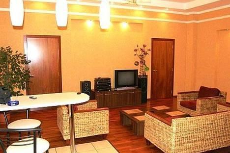 Сдается 3-комнатная квартира посуточно в Киеве, ул. Крещатик 27.