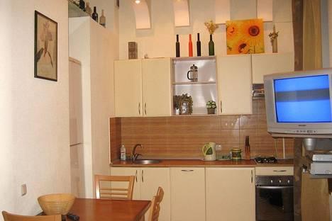 Сдается 2-комнатная квартира посуточно в Киеве, Бассейная, 5б.