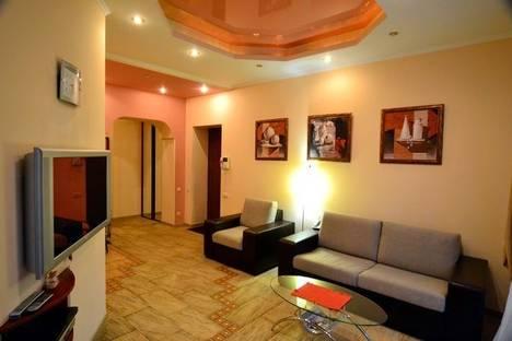 Сдается 3-комнатная квартира посуточно в Киеве, Льва Толстого 5-А.