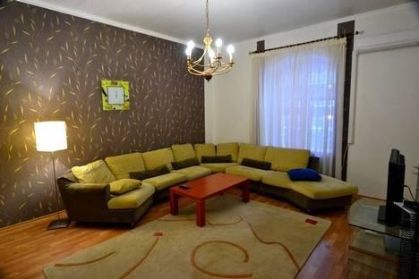 Сдается 3-комнатная квартира посуточно в Киеве, Пушкинская 20.