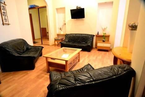 Сдается 4-комнатная квартира посуточно в Киеве, ул. Лютеранская 15.