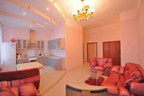 Сдается 1-комнатная квартира посуточно в Киеве, ул. Горького 7б.