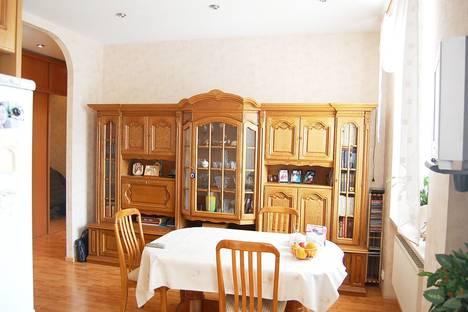 Сдается 2-комнатная квартира посуточнов Североморске, Ленина, 76.
