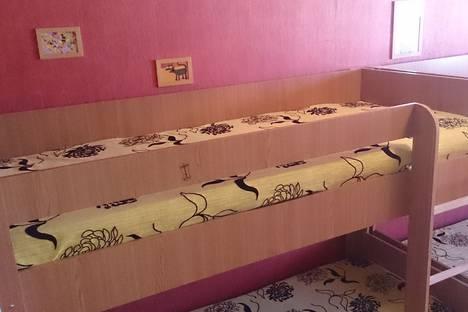 Сдается 4-комнатная квартира посуточно в Казани, ул. Четаева, 43.