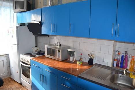 Сдается 3-комнатная квартира посуточно в Новокузнецке, ул.Транспортная 127.