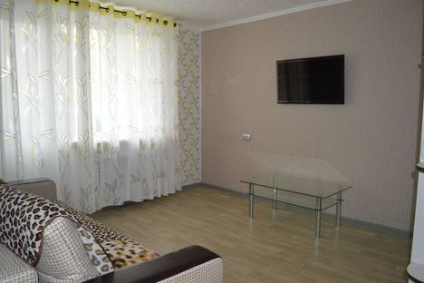 Сдается 2-комнатная квартира посуточнов Нефтеюганске, мкр. 12 дом 50.