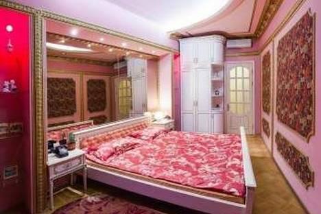 Сдается 3-комнатная квартира посуточно в Одессе, Дерибасовская 10.