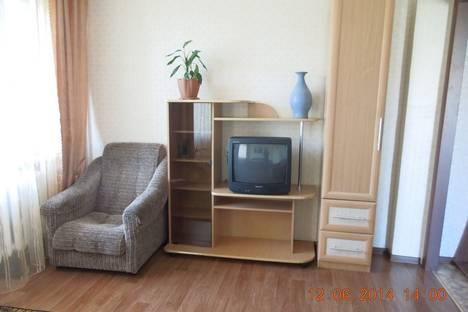 Сдается 1-комнатная квартира посуточнов Саянске, мкрн. Центральный, 7.