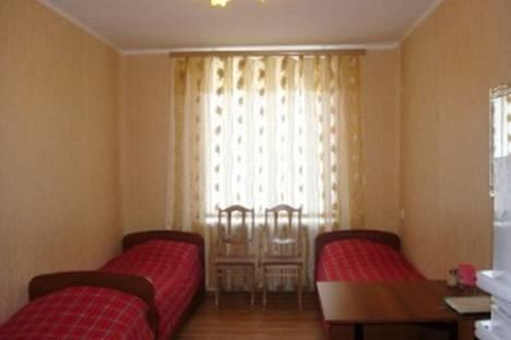 Сдается 2-комнатная квартира посуточно в Нижнем Тагиле, ул. Пархоменко, 17.