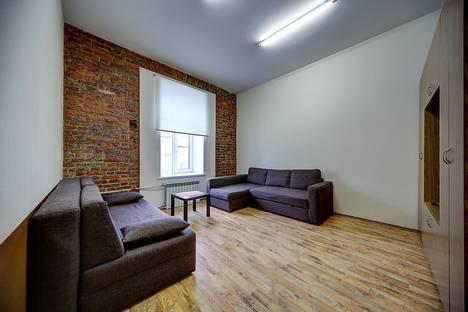 Сдается 1-комнатная квартира посуточнов Колпино, канал Грибоедова 9.