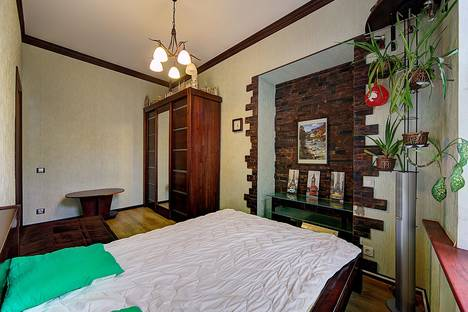 Сдается 3-комнатная квартира посуточнов Санкт-Петербурге, Площадь Островского 5.