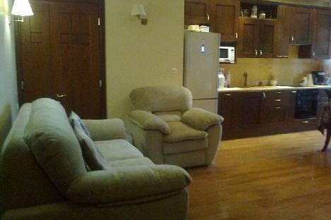 Сдается 2-комнатная квартира посуточно в Одессе, Ул. Тенистая 9/12.
