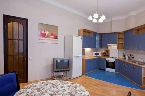 Сдается 3-комнатная квартира посуточно в Одессе, ул. Дерибасовская, 13.