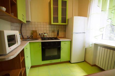 Сдается 2-комнатная квартира посуточно в Днепре, Проспект Кирова 100 А.