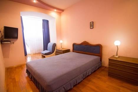 Сдается 2-комнатная квартира посуточно, Проспект Кирова 59.