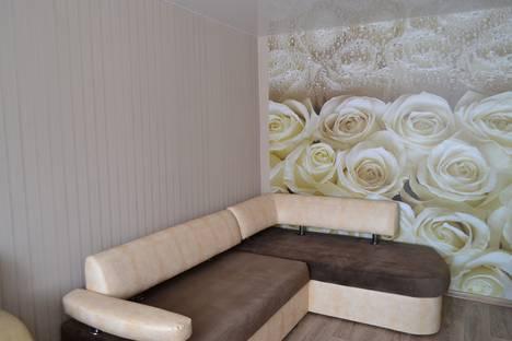 Сдается 1-комнатная квартира посуточнов Верхней Салде, Ленинградский проспект, 104.