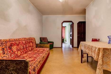 Сдается 3-комнатная квартира посуточно в Днепре, Красная 20.