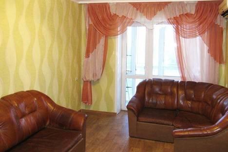Сдается 2-комнатная квартира посуточно в Донецке, Пр-т Ильича, 8.