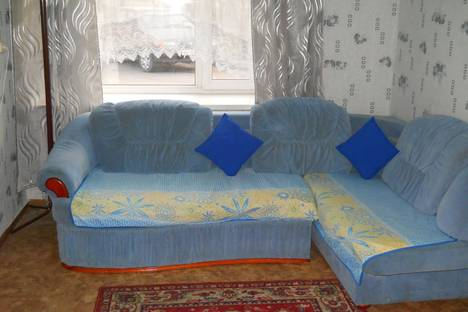 Сдается 2-комнатная квартира посуточно в Горно-Алтайске, Коммунистический проспект, 167,2.