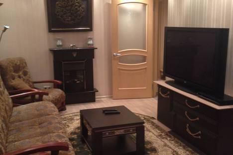 Сдается 3-комнатная квартира посуточнов Сочи, ул. Островского, 37.
