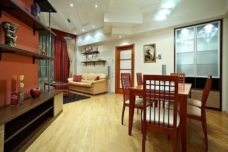 Сдается 3-комнатная квартира посуточно в Минске, пр.Независимости, 12.