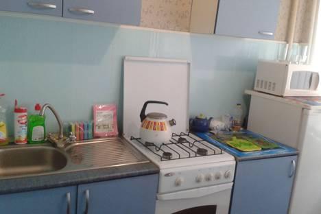 Сдается 1-комнатная квартира посуточнов Волгограде, улица Невская, 18А.