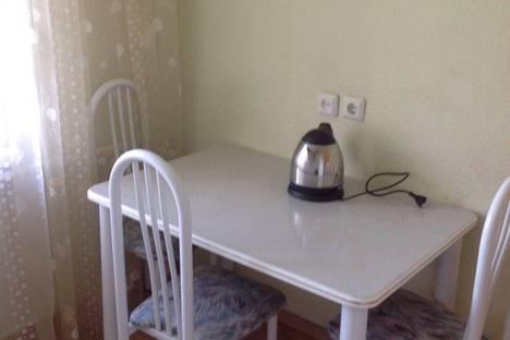 Сдается 1-комнатная квартира посуточно в Усть-Каменогорске, Протозанова 111.