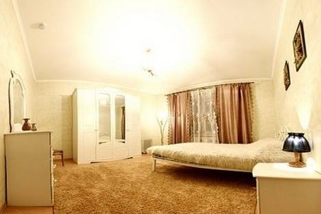 Сдается 3-комнатная квартира посуточно, Немига 42.