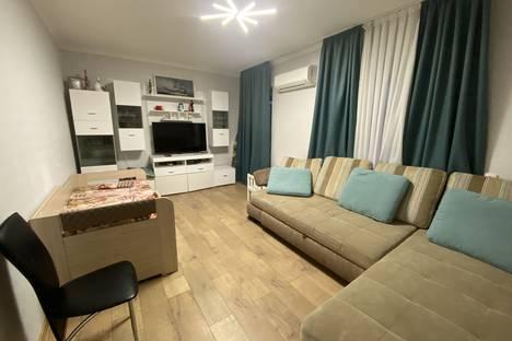 Сдается 3-комнатная квартира посуточно в Массандре, Высоцкого 10А.