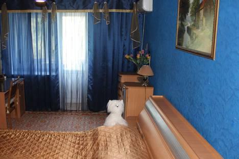 Сдается 1-комнатная квартира посуточно в Астрахани, ул. Степана Здоровцева, 5.