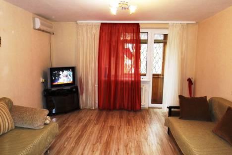 Сдается 2-комнатная квартира посуточно в Евпатории, пр. Ленина д.56.