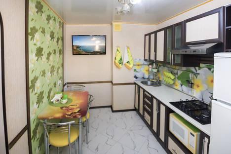 Сдается 1-комнатная квартира посуточнов Угловом, Проспект Октябрьской революции 22.