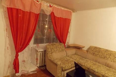 Сдается 1-комнатная квартира посуточно в Кургане, Карла Маркса 61.